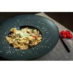 Фарфалле с говядиной и овощами